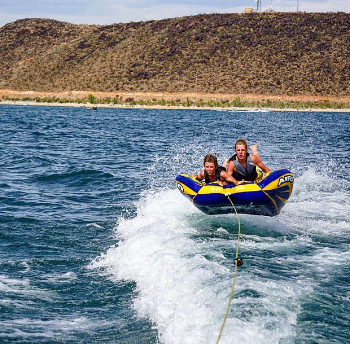 Boating at Sand Hollow Reservoir - Utah's Best Vacation Rentals