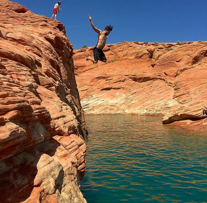 Cliff Jumping at Sand Hollow State Park - Utah's Best Vacation Rentals