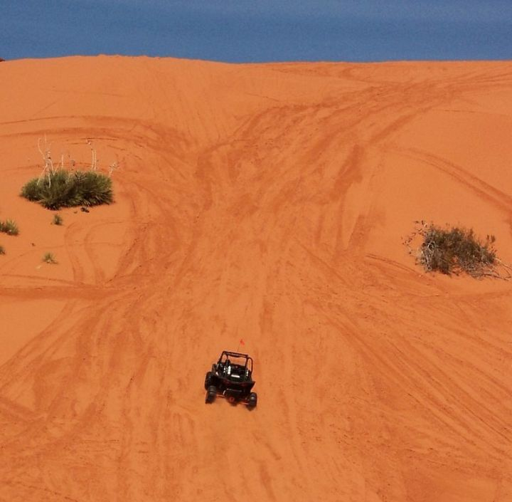 Sand Mountain Sand Dunes at Sand Hollow State Park - Utah's Best Vacation Rentals