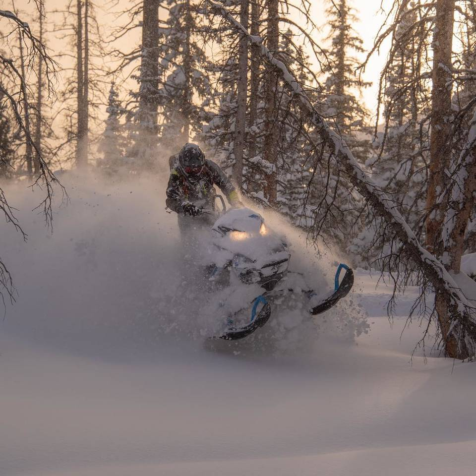 Adventure Tours for Utah Family Reunion | Snowmobile Tours by Tracked Out Adventures - Utah's Best Vacation Rentals