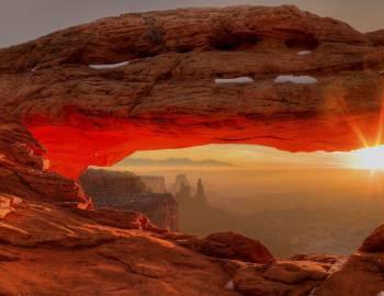 Canyonlands National Park | Mesa Arch - Utah's Best Vacation Rentals